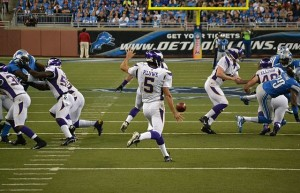 640px-Kluwe_punting_v_Lions